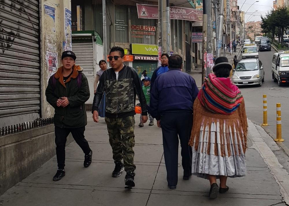 18 La Paz Pedestrians