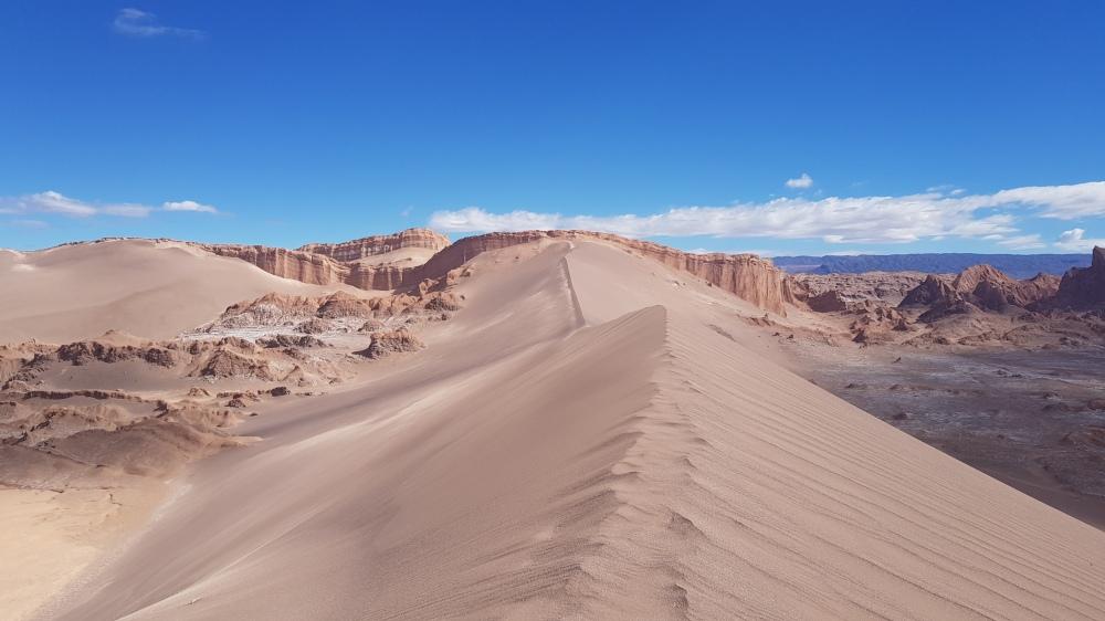 20 Valle de la Luna Dune