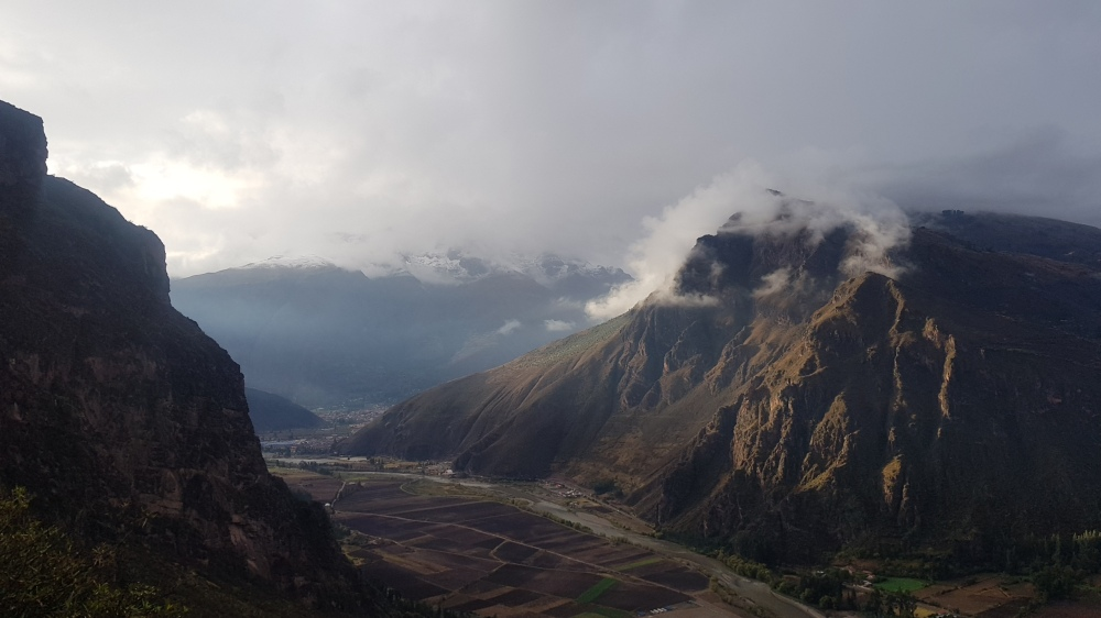 25 Light Through the Sacred Valley